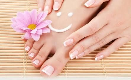 Essential hand & foot cremes
