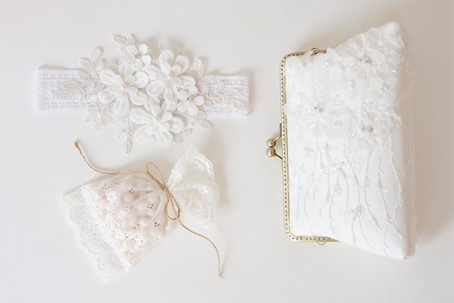 These Are the 6 Must-Haves for Your Bridal Clutch