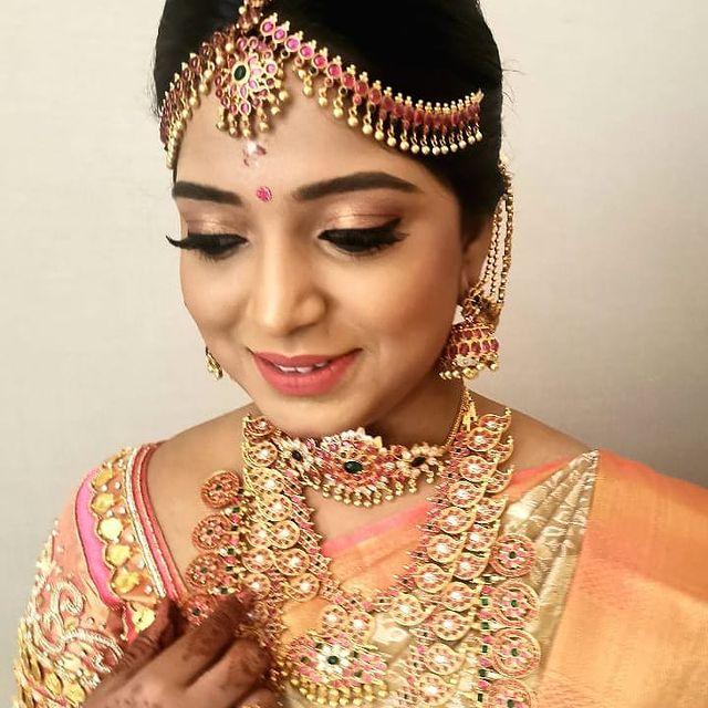 Glittering Makeup Look