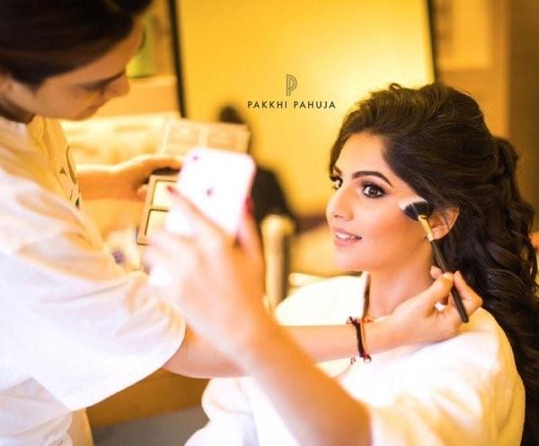 Pakkhi Pahuja Dewy Makeup Look